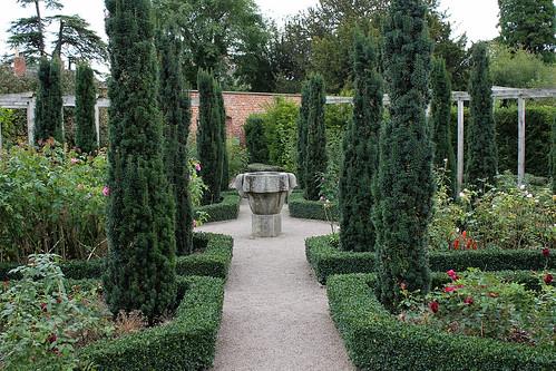 Hampton Court Castle Herefordshire Gardener 39 S Supply