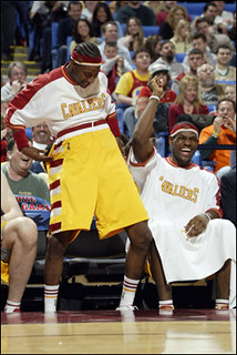 Jeff McInnis Goofs Around at Scott Williams | by Cavs History