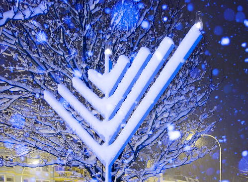 Happy Chanukah: Snow Covered Chanukah Menorah | by Dominic's pics