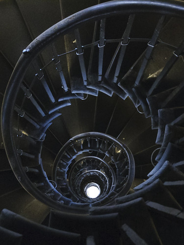 Spiral stairs, London Monument