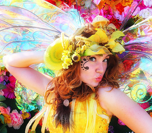 Twig the Fairy Kisses at the 2011 Arizona Renaissance Festival | by gbrummett