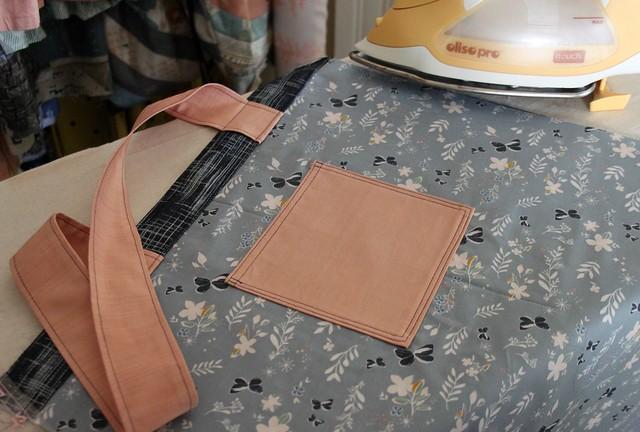 Peach Pocket & Straps