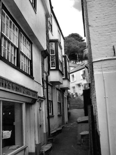 Fowey narrow street