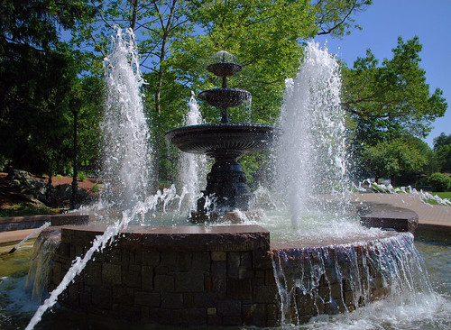 Mohegan Park's Water Fountain | by Linda Orlomoski