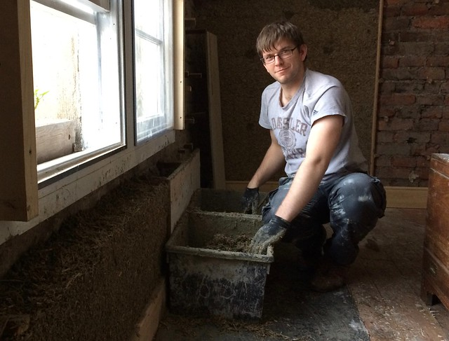 Bio-aggregate: casting to existing masonry