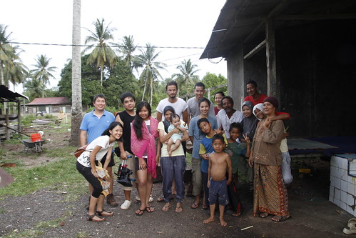 Group photo of the film crew and villagers who helped us | by edmundyeo