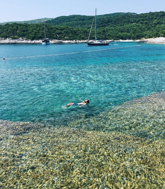 _ilcarritzi_croatia_vis_sea_blue_water_