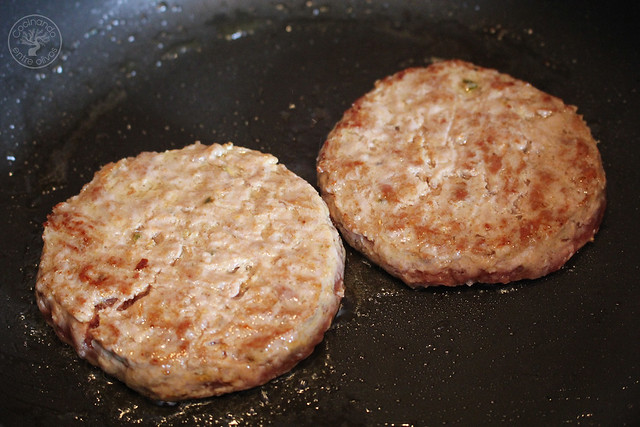 Hamburguesas de cordero con mango y queso de cabra www.cocinandoentreolivos.com (15)
