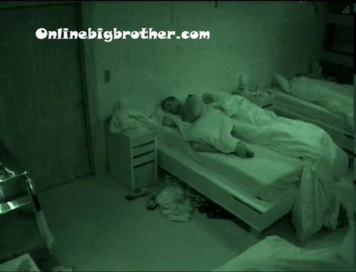 BB13-C4-7-8-2011-7_31_22.jpg | by onlinebigbrother.com