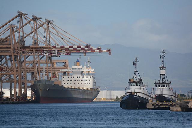 Matson Navigator and Sause tugs