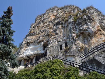 Manastirea Basarbovski obiective turistice Ruse 5