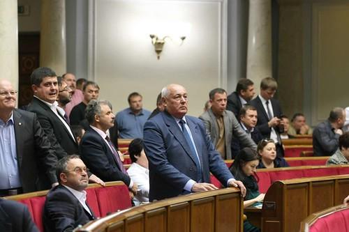 Депутати хочуть, аби й міністри відмовились від підвищення зарплат