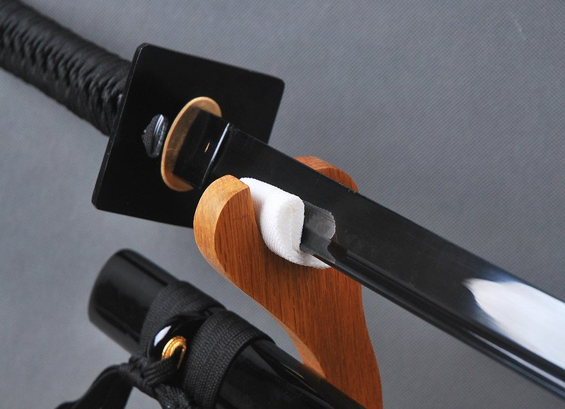 Japanese-samurai-sword-black-blade-4