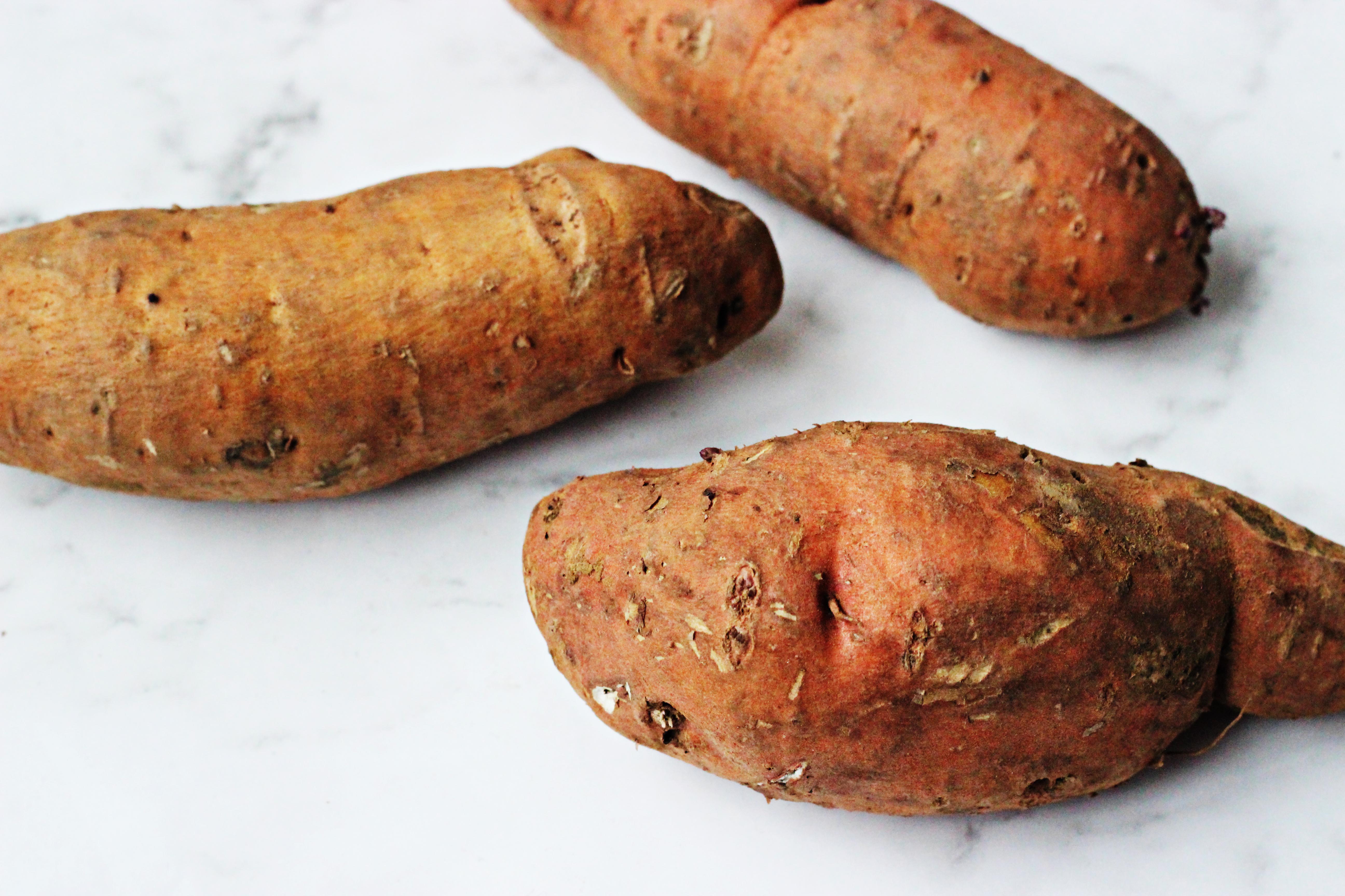 Oven-Baked Sweet Potatoes with Vegan Wrap / Batata Doce Assada no Forno com Wrap Vegano