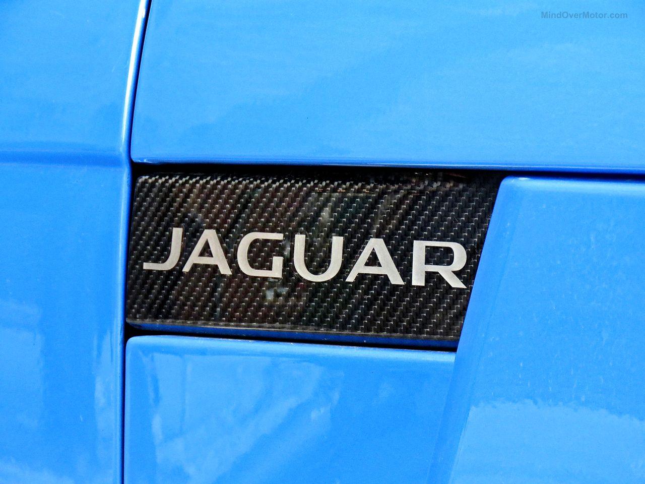 Jaguar F-Type SVR Ultra Blue 3