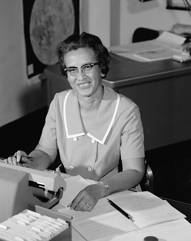 Katherine_Johnson_at_NASA,_in_1966_web