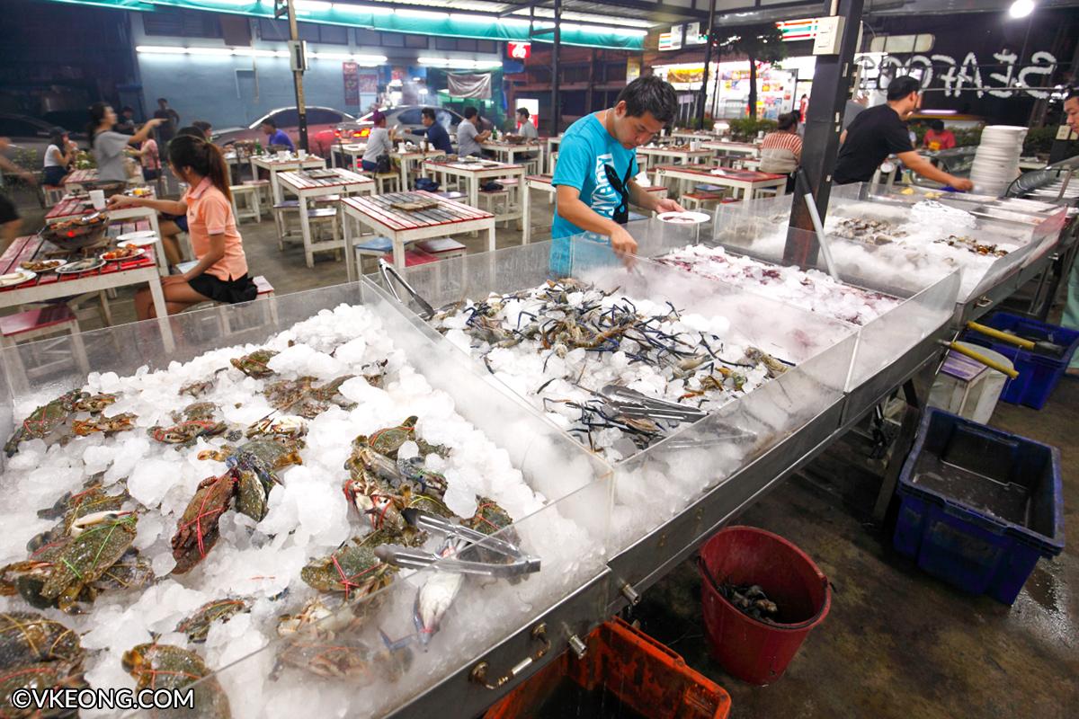 Mangkorn Seafood BBQ Buffet