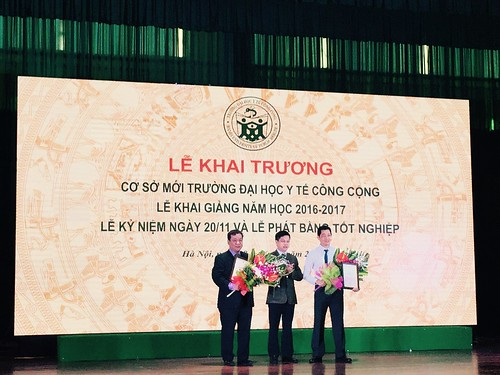 Hung Nguyen-Viet receives honorary professorship from Hanoi University of Public Health