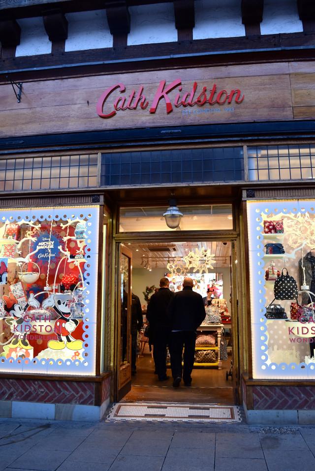 Cath Kidston Christmas Windows 2016 | www.rachelphipps.com @rachelphipps