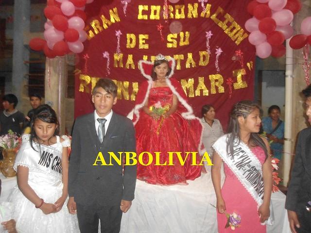 LA REINA ESCOLAR 'YOMAR I' FUE CORONADA EN LA UNIDAD EDUCATIVA PEDRO DOMINGO MURILLO DE 'LA ASUNTA'