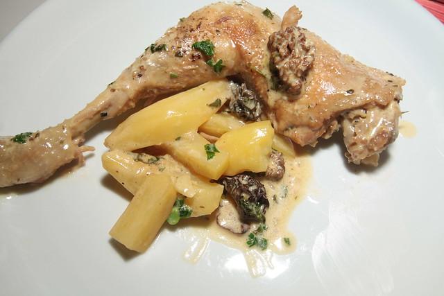 Stoofpot van kip, morieljes en aardappel...
