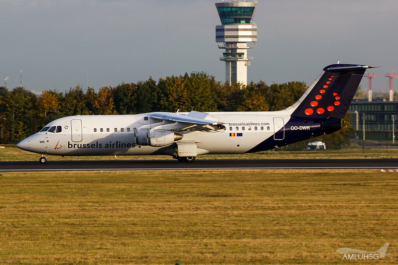 Brussels Airlines - RJ1H - OO-DWK (1)