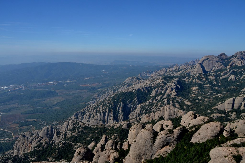 Trekking through Montserrat mountains with Trescant