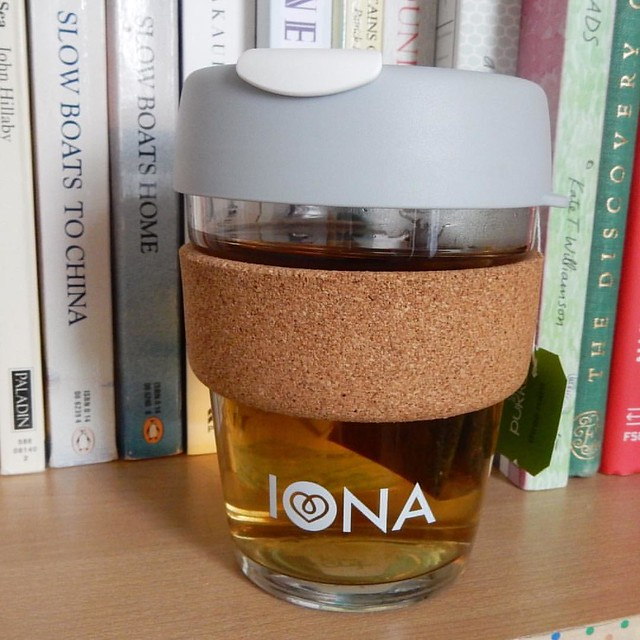 I've been using my keepcup a lot now it's getting colder. Nice to have a little reminder of my visit to @ionacraftshop too!