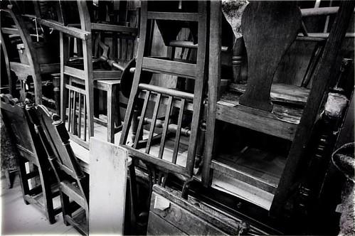 倉庫の椅子たち stock chairs #アンティークショップ #中目黒 #antiques #chairs #stockroom