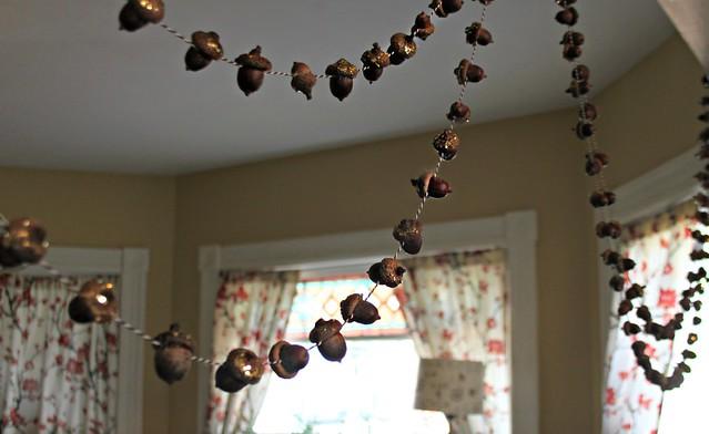 Autumn Crafts -- Acorn Garland