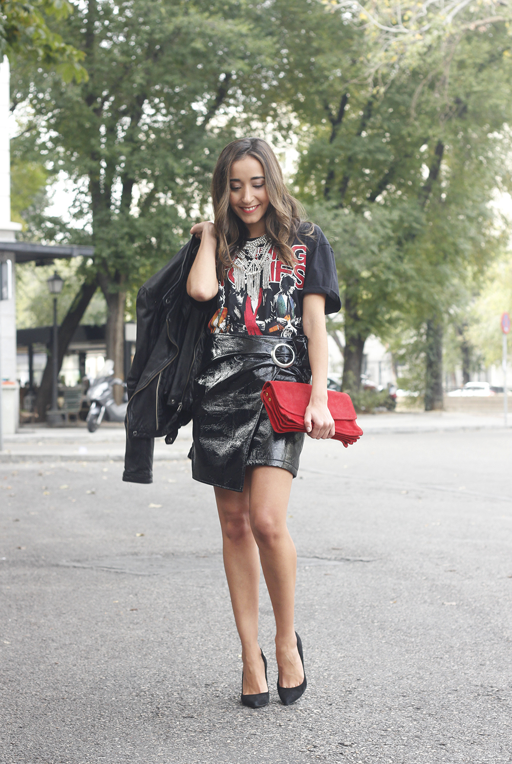 patent leather skirt t-shirt necklace heels leather jacket outfit style fashion01