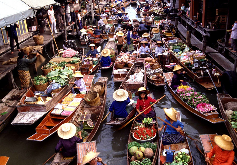 22 damnoen-floating-market-excursion-bangkok-best-hotels-thailand2