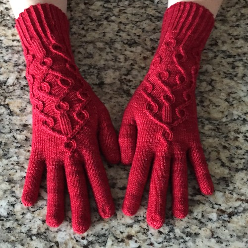 Three oaks gloves