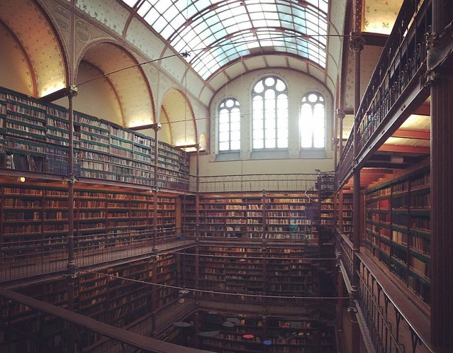 Library in the museum. #rijksmuseum