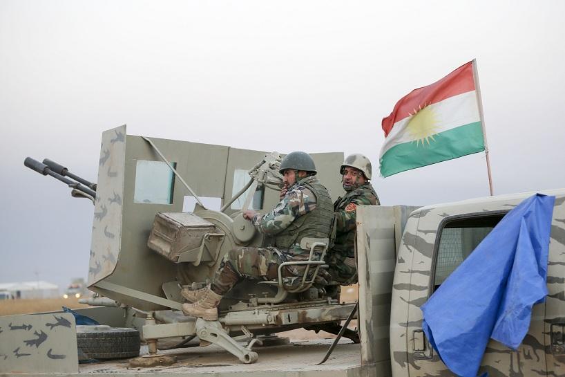 Irak'ta PeÅmerge güçleri, Musul'un BaÅika kasabasının merkezini terör örgütü DEAŠüyelerinden temizlemek için operasyon baÅlattı. PeÅmergeye ait zırhlı araçlar Ãmer Kamçı mevkiinden, BaÅika kasabasına hareket etti. ( Ahmet Ä°zgi - Anadolu