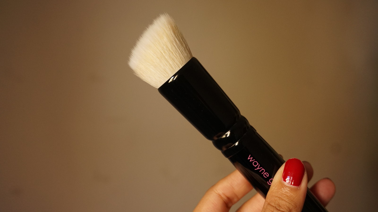 wayne goss brush 01 review girlandvanity.com