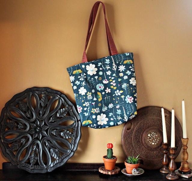 A Garden Dreamer Easy Tote Bag