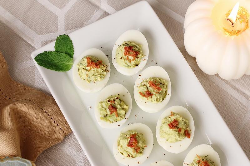 guacamole-deviled-eggs-recipe-10