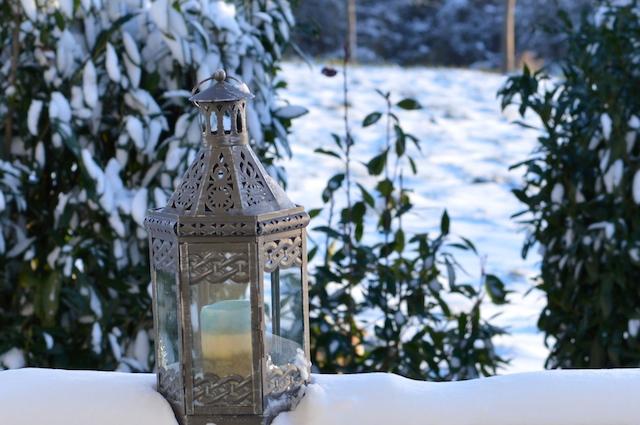 Laterne im Schnee