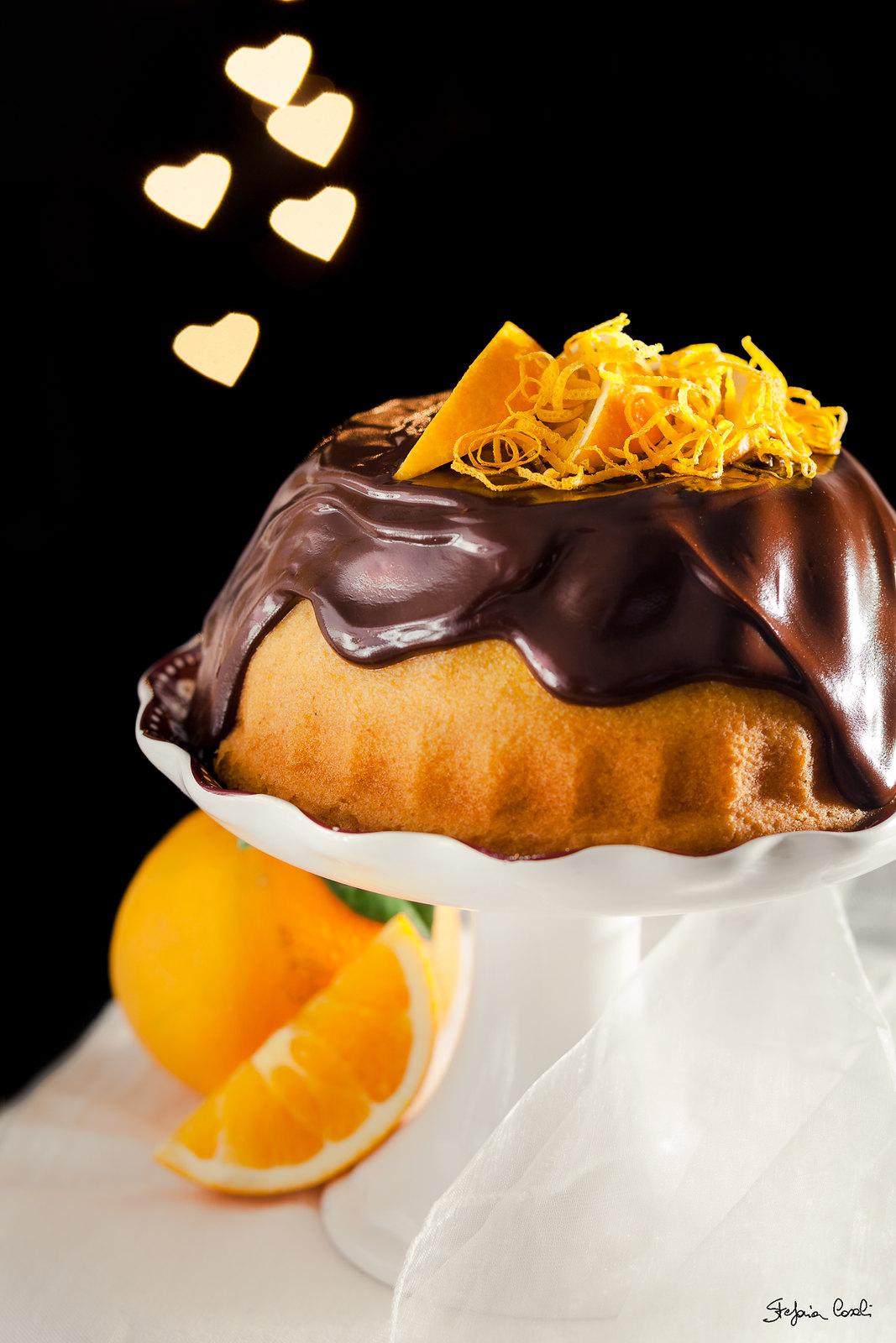 Ciambella all'arancia e cioccolato