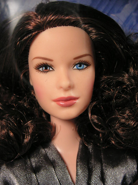 2005 Barbie Superman Returns Lois Lane J5288 (1)