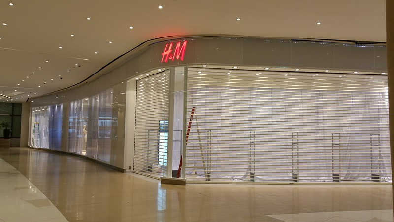 H&M Uptown Place
