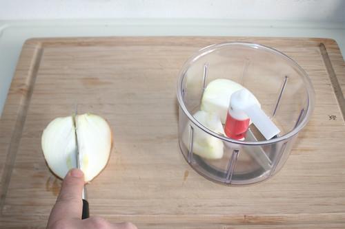 15 - Zwiebel vorbereiten / Prepare onion
