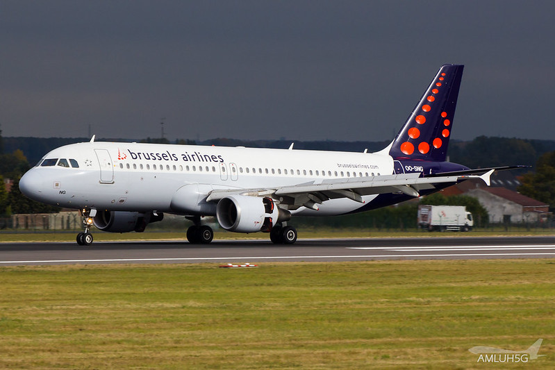 Brussels Airlines - A320 - OO-SNG (1)