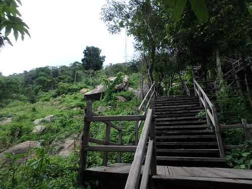 preah-vihear-stairway-5