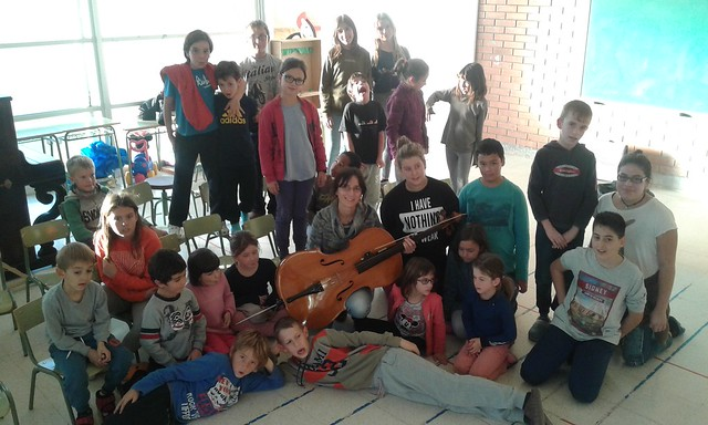 Cello a l'Escola