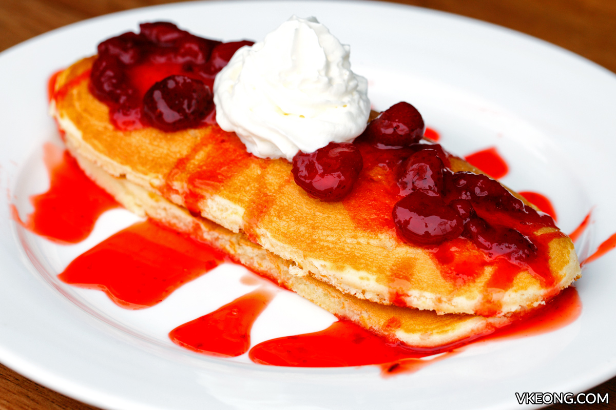Strawberry Puree Pancakes