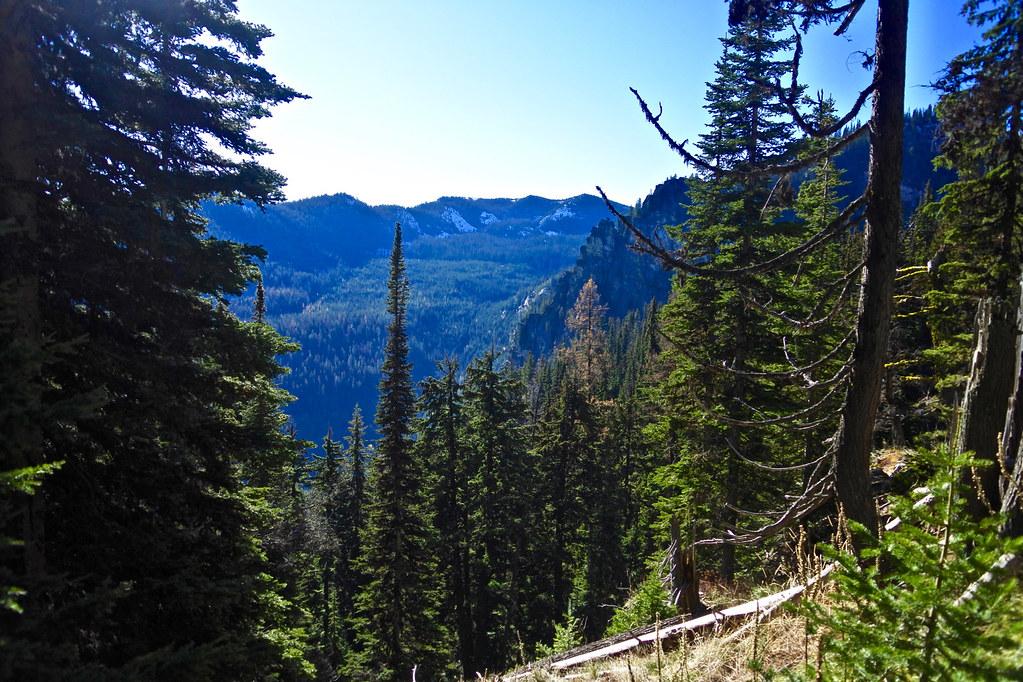 Cabin Lake trail 12
