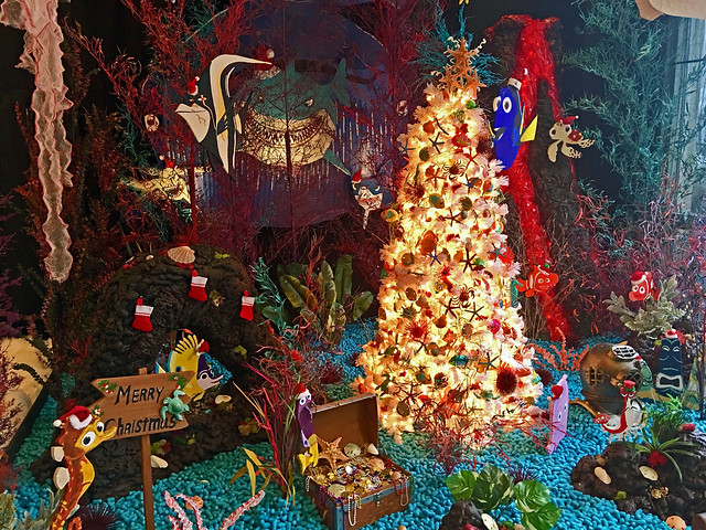 a fan favorite every year va811 takes us into the water this year with its amazing finding nemo scene you could spend hours marveling at the incredible - Finding Nemo Christmas Decorations