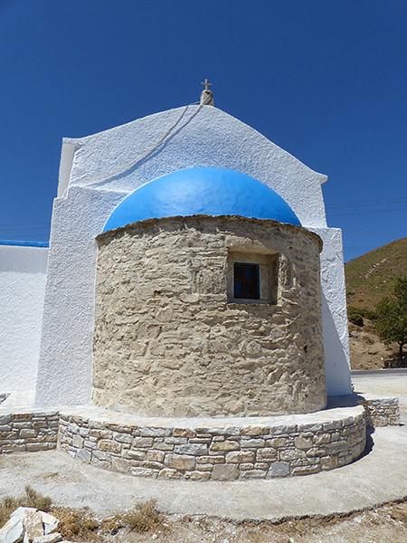 église sur la route de moutsouna